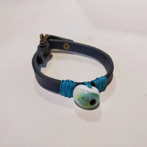 Handmade glass bracelet with leather