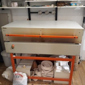 Fused glass kiln for fussion works